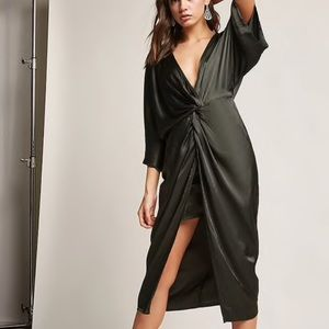 Black Twist Front Plunge Dress Forever 21 S NWT